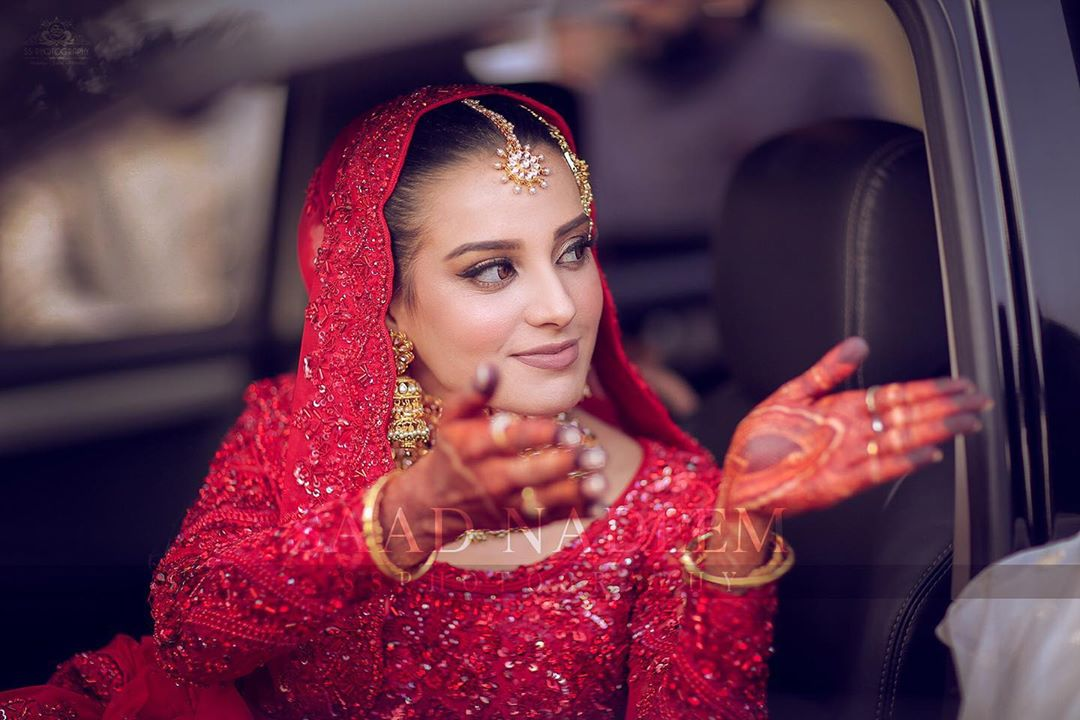 Iqra Aziz and Yasir Hussain Wedding Pictures (42)