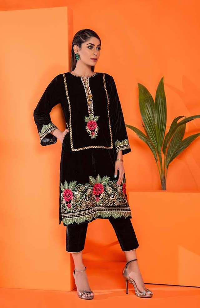 Velvet Embroidered Winter Wear Collection 2019-20 By Al-Zohaib (11)