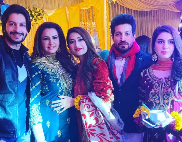 Saba Faisal Images with Family at Wedding Event (8)