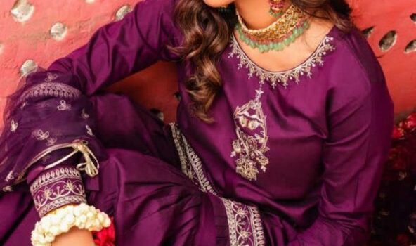 Khushiyaan Festive Dresses Collection 2021-22 By Anum Jung (1)